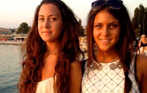 Systrar i aftonsol