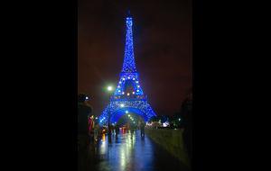 Galaklädd Eiffeltorn