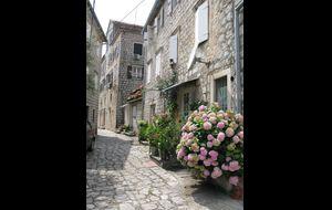 Den gamla staden Perast
