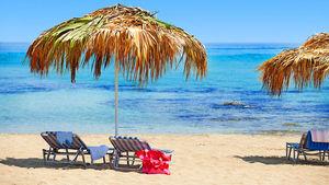Populära områden och hotell på favoritön i Medelhavet