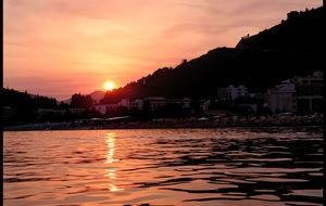 Solnedgång över Budva