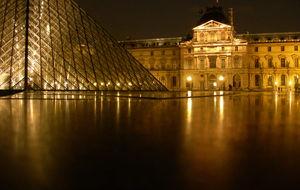 Louvren i natten
