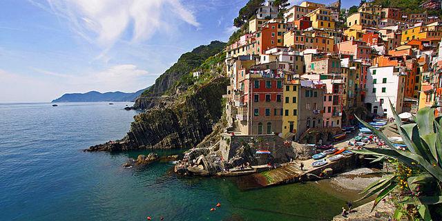 Dramatiskt i italienska Cinque Terre