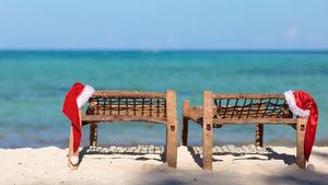 Fira jul på en solig strand