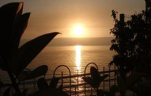 Soluppgång över Genesarets sjö