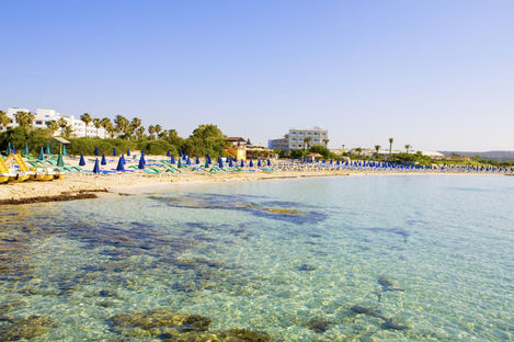 Tjuvstarta sommaren på varma Cypern