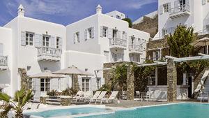 Vi guidar dig till några av sommarens bästa charterhotell