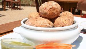 Prova extremkokt potatis som är en typisk rätt på Teneriffa.