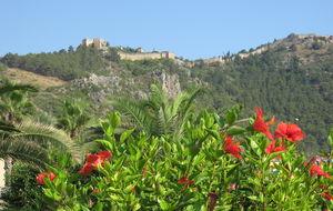 Utsikt mot Alanya Kalesi från Kleopatrastranden