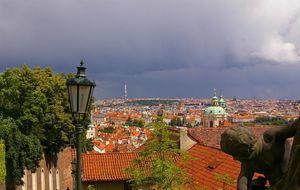 Prag sedd från trappan till Borgen