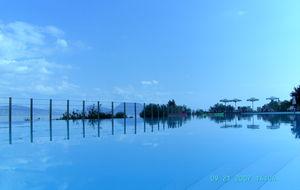 Poolen på Ionia Blue