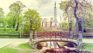 Kombinera kaféer och uteliv med strand och spa i Riga