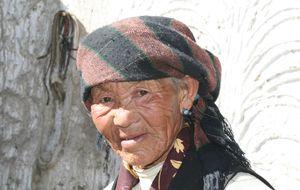Kvinna på Tibets landsbygd