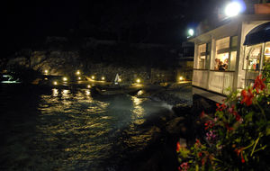 Restaurangen vid vattnet i Zoagli