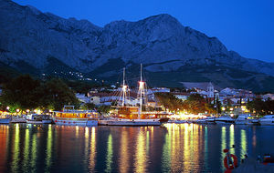 Baska Voda by night