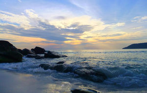 Längs Sok San Beach på Koh Rong