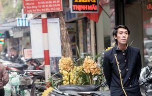 Hotell portier i de gamla kvarteren av Hanoi