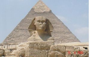 Sfinxen och pyramiden