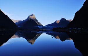 Milford Sound i gryningstimman