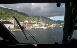 På väg in till Bergen med båt
