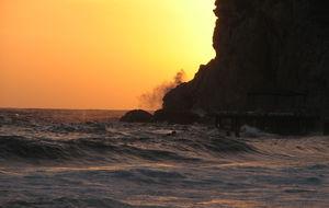 Storm i solnedgången