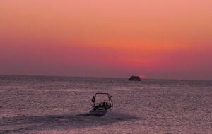 Solnedgång vid Cafe Del Mar