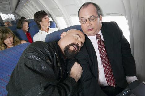 Handplocka stolsgranne på flyget