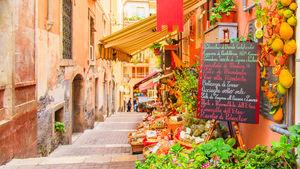 Lång sommarsäsong och några av Medelhavets bästa stränder