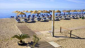 Flyg till Malaga och upptäck några av Spaniens kuststäder