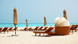Strålande sol, milslånga stränder och shopping i världsklass