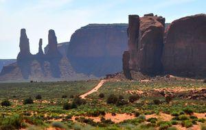 Monument Valley, Ett par timmar på sandväg.