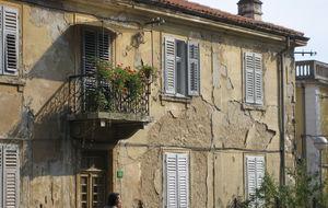 Jag gillar risiga hus och fina balkonger.