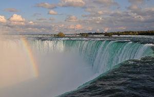 Niagara Falls med Rainbow