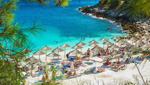 Mysiga byar, vackra stränder och spännande utflykter.Välkommen till Medelhavets bästa sommaröar!