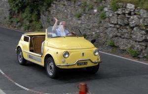 Fiat 500 Cab med rottingstolar!!!