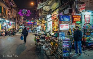 Hanoi by night - the Old Quarter