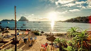 Starta sommaren med sol, bad och tapas på någon av dessa öar