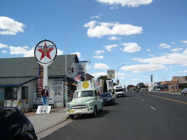 route 66 bilder seligman arizona usa reseguiden. Black Bedroom Furniture Sets. Home Design Ideas