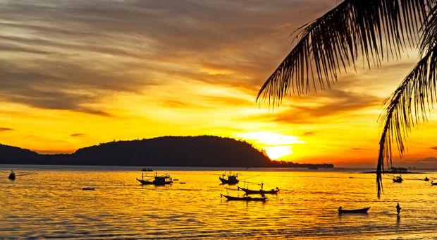 Thailand är varmt året runt, men regnar mer vissa delar av året.