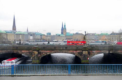 Panoramavy över Hamburgs stadskärna