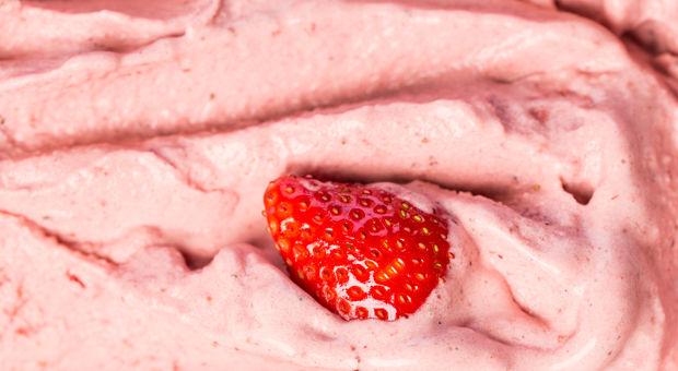 Yoghurtglass med jordgubbar