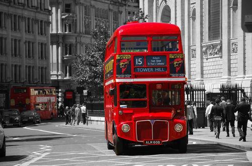 """En av få """"gamla"""" bussar i trafik"""