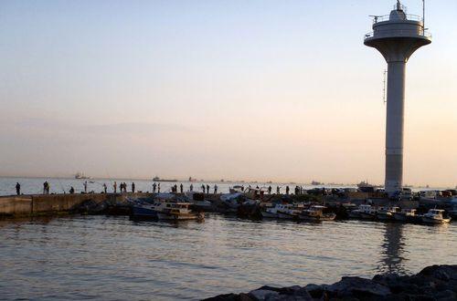 På promenad vid Marmarasjön