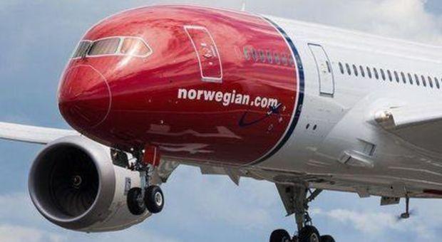 Flyg billigare som ungdom hos Norwegian