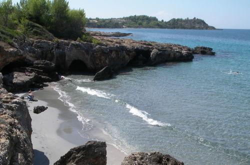 Liten strand i Amopi