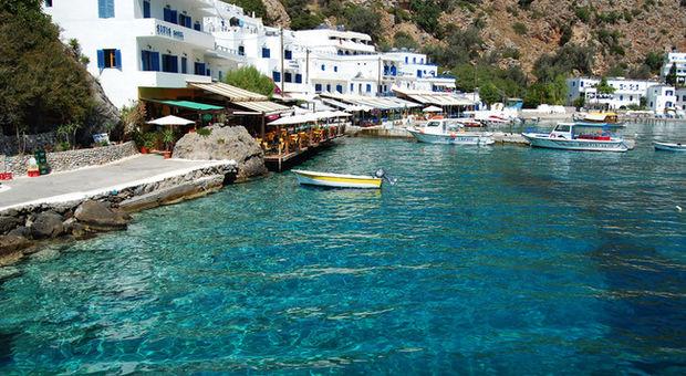 Bild från byn Loutro på Kreta