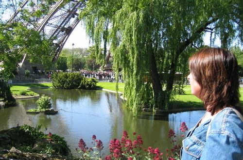 Eiffeltornet från nära håll
