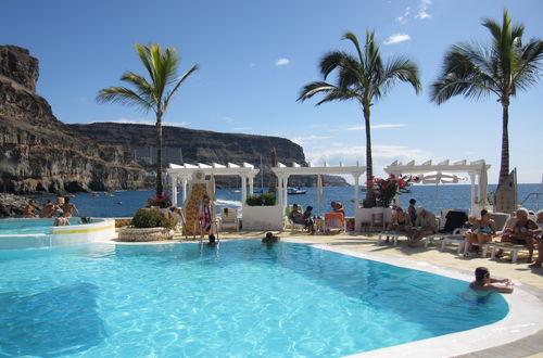 Utsikt från vår pool