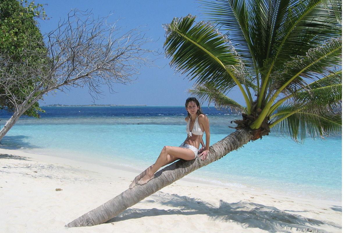 Öde strand på Maldiverna