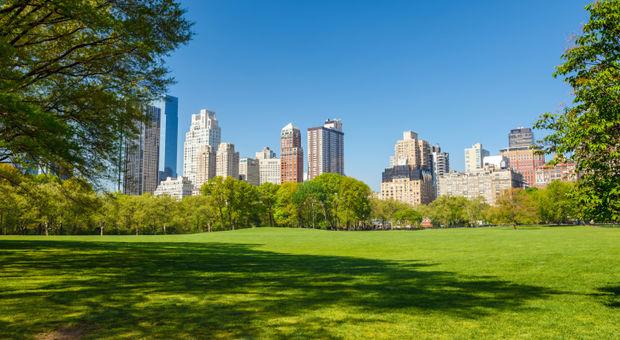 Leta upp närmsta utomhuspool när hettan slår till i NYC